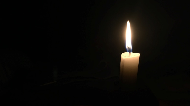 Candle flame 776x432